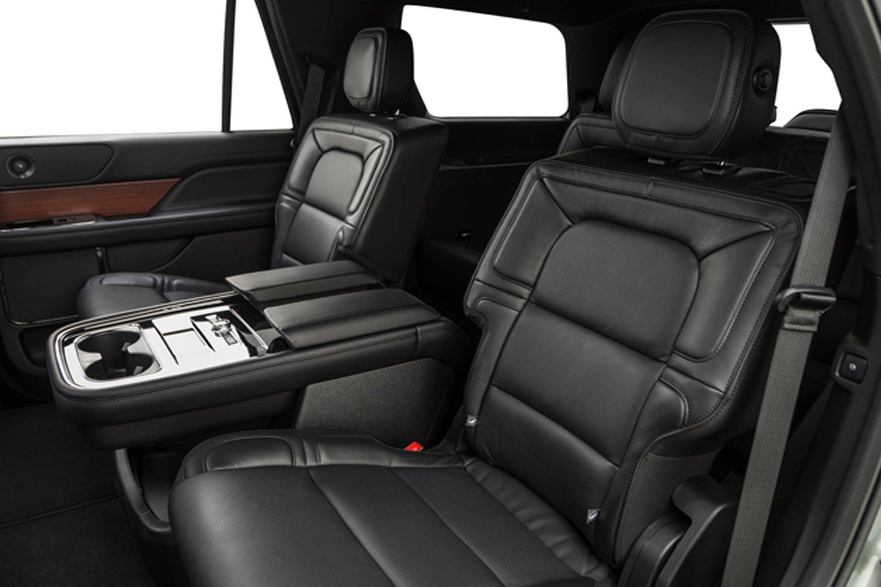 Skyline Chicago Limo Cars Luxury Fleet Black Lincoln Navigator Interior Back Seat October 2020