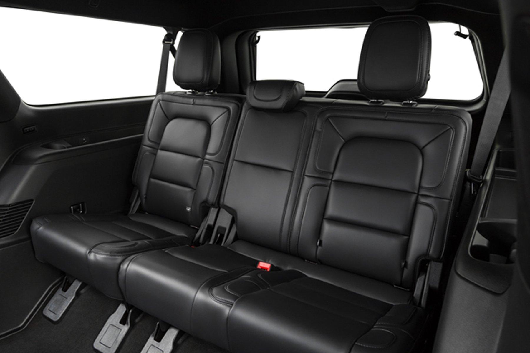 Skyline Chicago Limo Cars Luxury Fleet Black Lincoln Navigator Interior Rear Seats October 2020